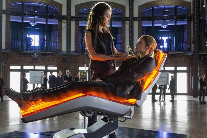 (L-R) MAGGIE Q AND SHAILENE WOODLEY star in DIVERGENT - © Concorde Home