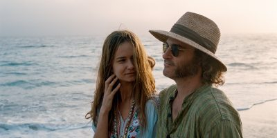 Szenenbild aus INHERENT VICE - © Warner Bros. Germany