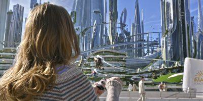 Szenenbild aus TOMORROWLAND - Casey (Britt Robertson) - © Disney 2015