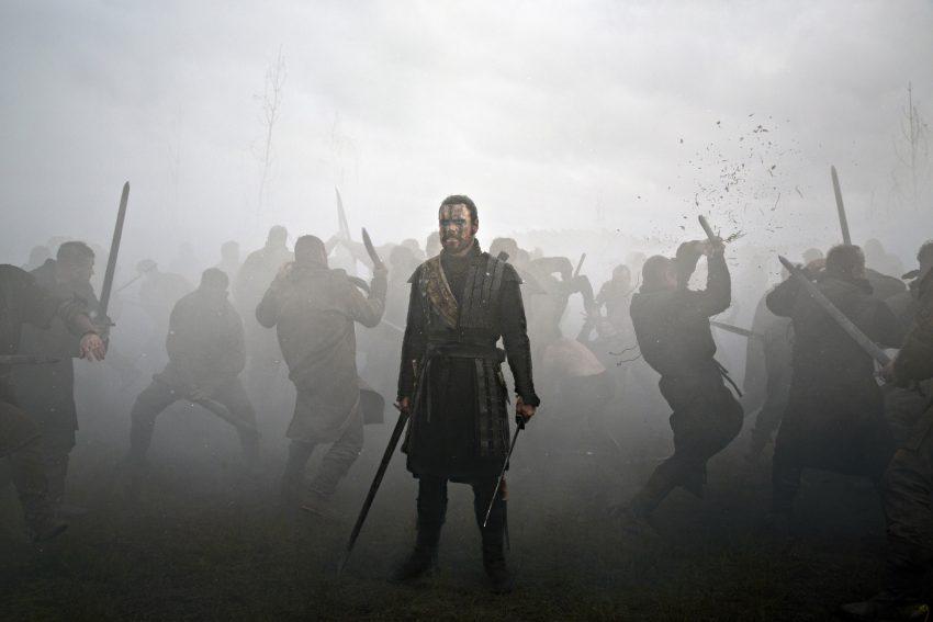 Szenenbild aus MACBETH - Macbeth (Michael Fassbender) im Kampf - © 2015 StudioCanal