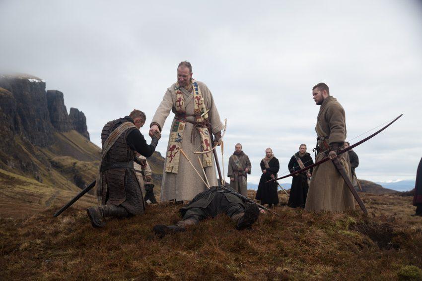 Szenenbild aus MACBETH - Macbeth (Michael Fassbender, links), Duncan (David Thewlis, mittig) und Malcolm (Jack Reynor) - © 2015 StudioCanal