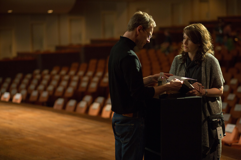 Filmstill aus STEVE JOBS - Joanna (Kate Winslet) redet Steve (Michael Fassbender) ins Gewissen - © Universal Pictures