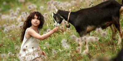 Szenenbild aus HEIDI - Heidi (Anuk Steffen) - © Studiocanal