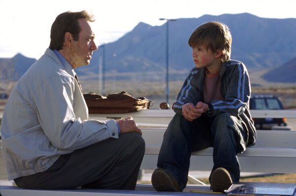 Eugene Simonet (Kevin Spacey) und Trevor (Haley Joel Osment) - © Warner Bros.
