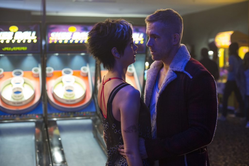 Vanessa (Morena Baccarin) und Wade (Ryan Reynolds) - © Twentieth Century Fox of Germany GmbH