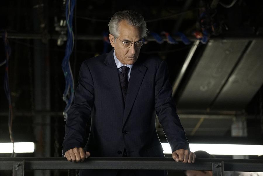 Der Direktor (David Strathairn) - © NBC