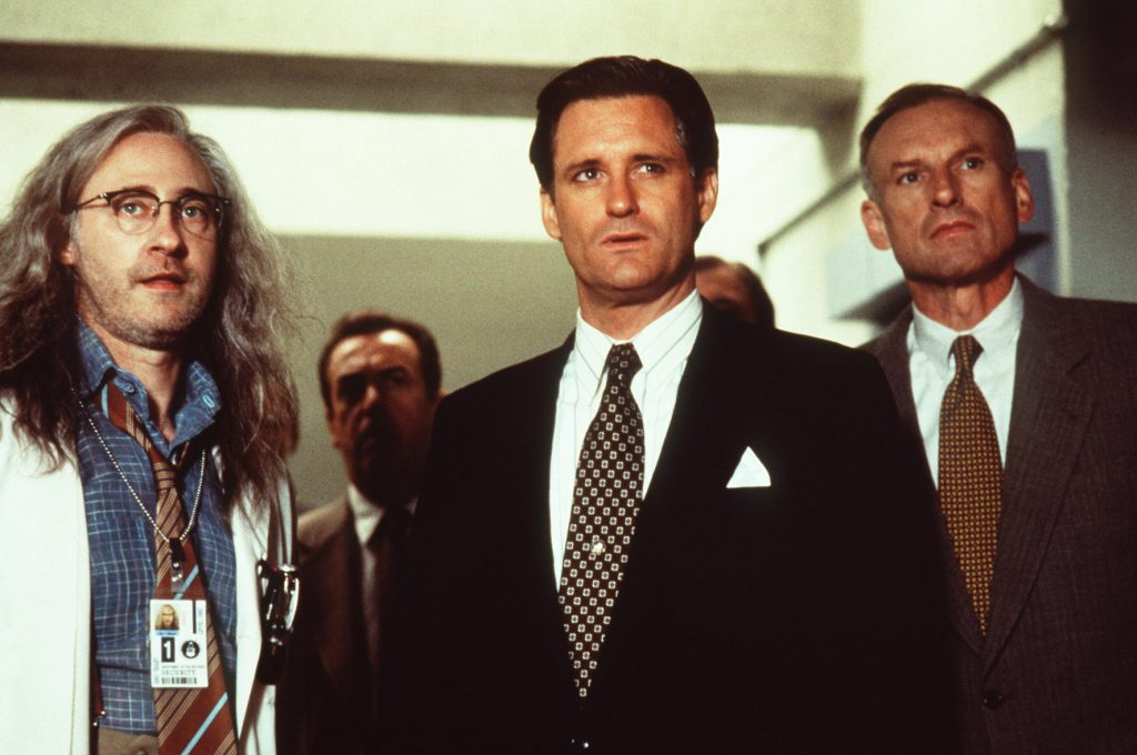 Dr. Okun (Brent Spiner) und President Whitmore (Bill Pullman) - ©20th Fox Home Entertainment