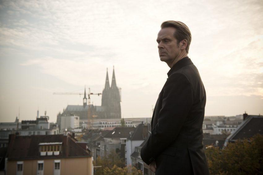Der Kriminalpsychologe Professor Jasper Thalheim (Matthias Matschke) unterstützt die Kripo Köln bei der Aufklärung von Mordfällen. - © ZDF/Martin Valentin Menke