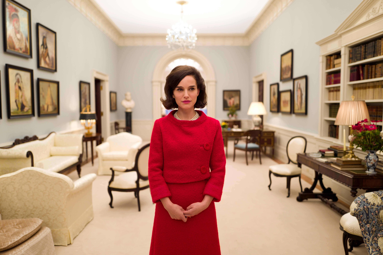 Natalie Portman glänzt als Jackie Kennedy - © Tobis Filmverleih
