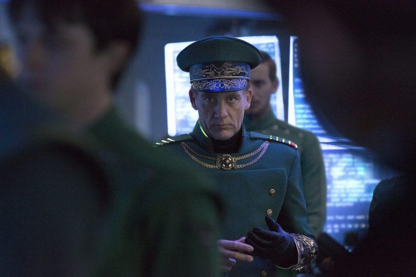 Filmstill von Clive Owen als Commander Arun Filitt in VALERIAN