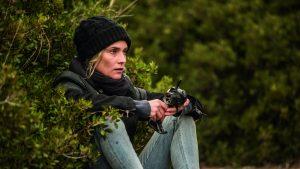 Filmstill aus AUS DEM NICHTS - Katja (Diane Kruger) versteckt sich und wartet auf den richtigen Moment die Bombe zu zünden - © Warner Bros.