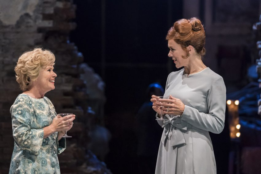 Follies - Sally (Imelda Staunton) und Phyllis (Janie Dee) - Directed by Dominic Cooke at the National Theatre, London, UK ; 21 August 2017 ; Credit : Johan Persson