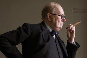 Szenenbild aus DIE DUNKELSTE STUNDE - DARKEST HOUR - Gary Oldman als Winston Churchill - © Universal Pictures