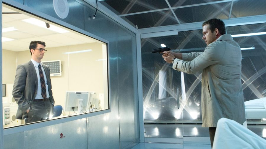 Szenenbild aus SELF/LESS - Albright (Matthew Goode) gegen Damian (Ryan Reynolds) - © Concorde Home Entertainmemt
