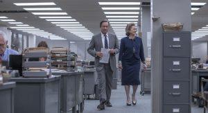 Szenenbild aus THE POST - DIE VERLEGERIN - Ben Bradlee (Tom Hanks) und Katherine Graham (Meryl Streep) - © Universal Pictures