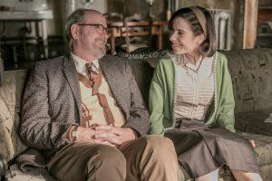 Szenenbild aus THE SHAPE OF WATER - Giles (Richard Jenkins) und Elisa (Sally Hawkins) - © Fox