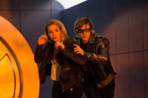 Szenenbild aus X-MEN: APOCALYPSE - Mystique (Jennifer Lawrence) und Quicksilver (Evan Peters) - © 2016 Twentieth Century Fox Home Entertainment