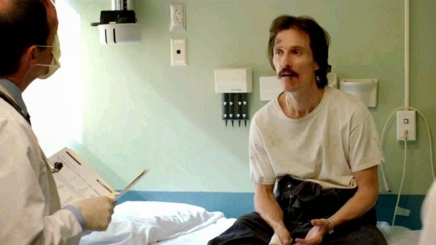 Szenenbild aus DALLAS BUYERS CLUB - Ron Woodroof (Matthew McConaughey) bekommt die Diagnose - © Ascot Elite