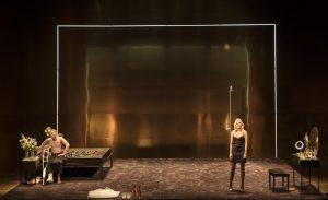 Szenenbild - Das Bühnenbild von CAT ON A HOT TIN ROOF (2018) - Credit : Johan Persson