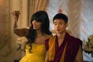 Szenenbild aus Staffel 1 von THE GOOD PLACE - Tahani (Jameela Jamil) und Jianyu (Manny Jacinto) - © Justin Lubin/NBC