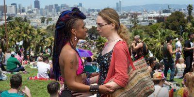 Szenenbild aus SENSE 8 - 1. Staffel (2015) - Amanita (Freema Agyeman) und Nomi (Jamie Clayton) - © Netflix