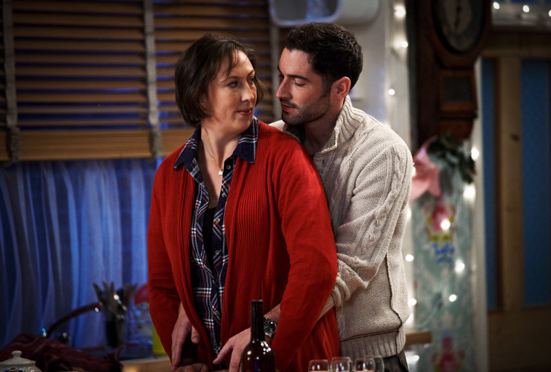 Szenenbild aus MIRANDA - Staffel 3 - Miranda (Miranda Hart) und Gary (Tom Ellis) - © Disney Channel