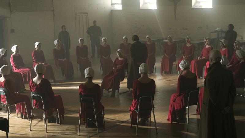 Szenenbild aus THE HANDMAID'S TALE - 1. Staffel (2017) - Die Ausbildung der Mägde - © 20th Century Fox