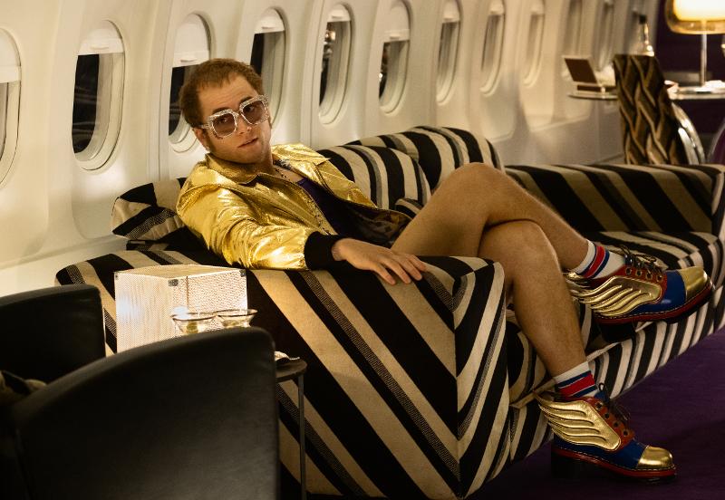 Szenenbild aus ROCKETMAN (2019) - Elton John (Taron Egerton) - © Paramount Pictures