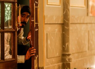 Szenenbild aus HOTEL MUMBAI - Arjun (Dev Patel) - © Arclight Films