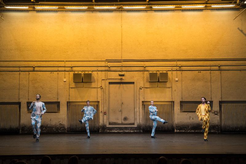 Szenenbild aus DIE DREI MUSKETIERE - Residenztheater - Die Hofreitschule - © Sandra Then